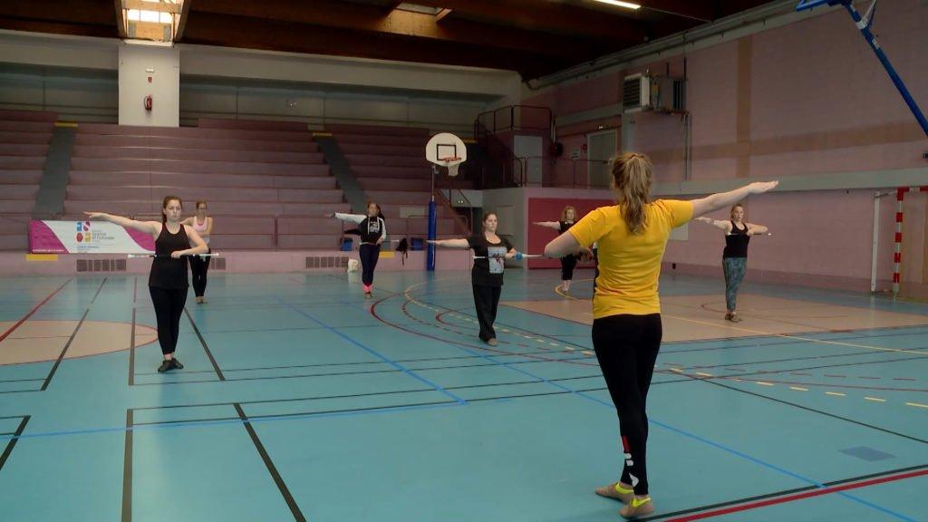 stage animation twirling bâton pour devenir entraîneur
