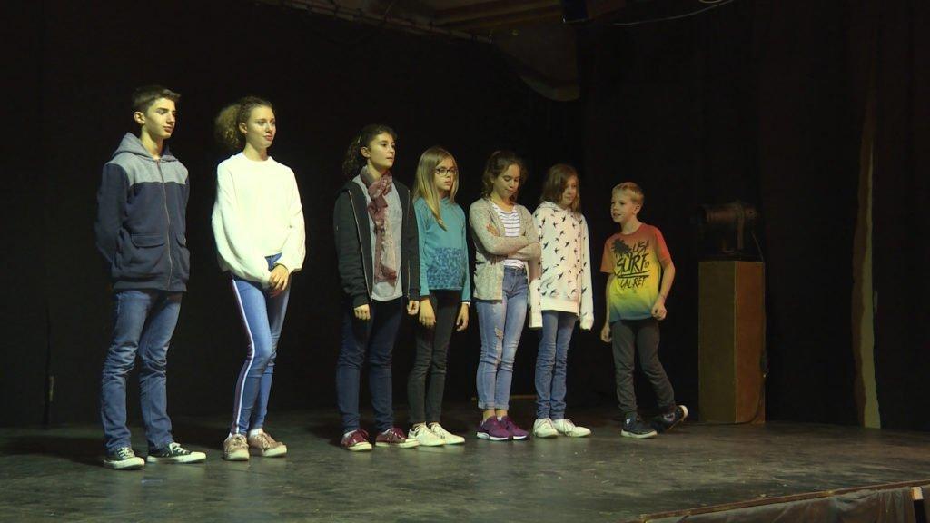Des ateliers théâtre sont organisés à Artopie pour les jeunes de 9 à 14 ans