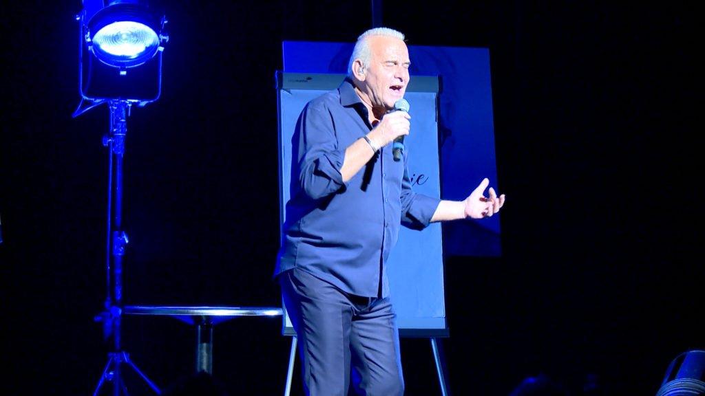 Michel Fugain présente son spectacle « La causerie musicale »