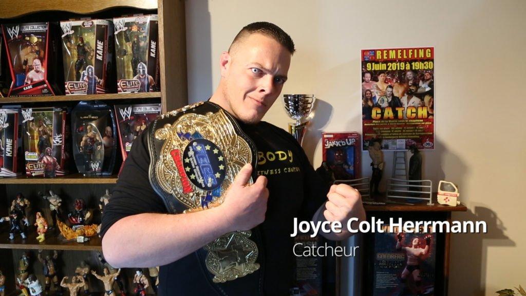 Joyce Colt Herrmann, catcheur