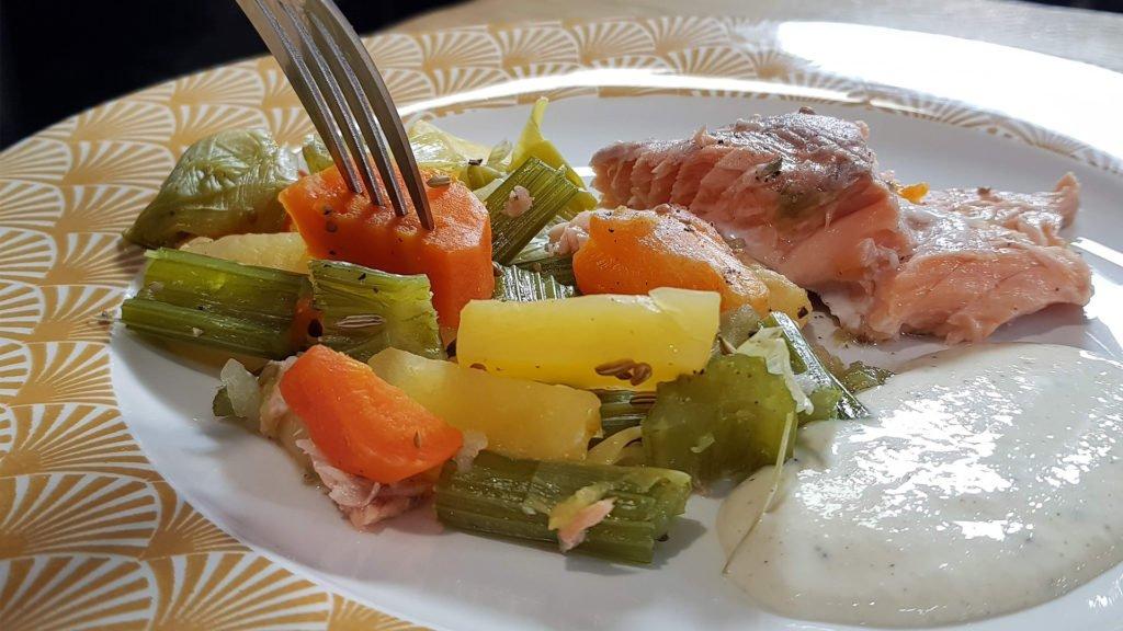 Papillote de saumon aux petits légumes anisés