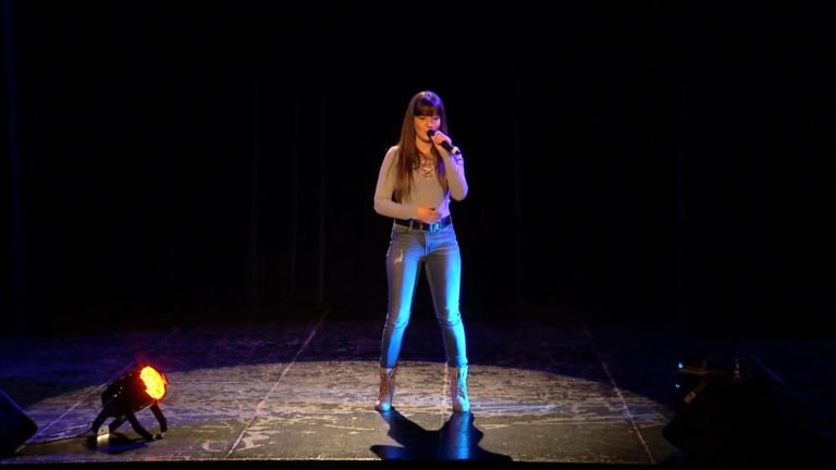 Stéphanie, passionnée par le chant