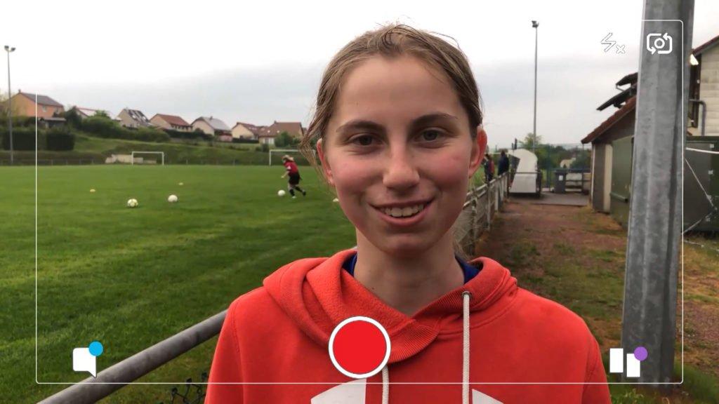 Lara est capitaine d'une équipe de foot