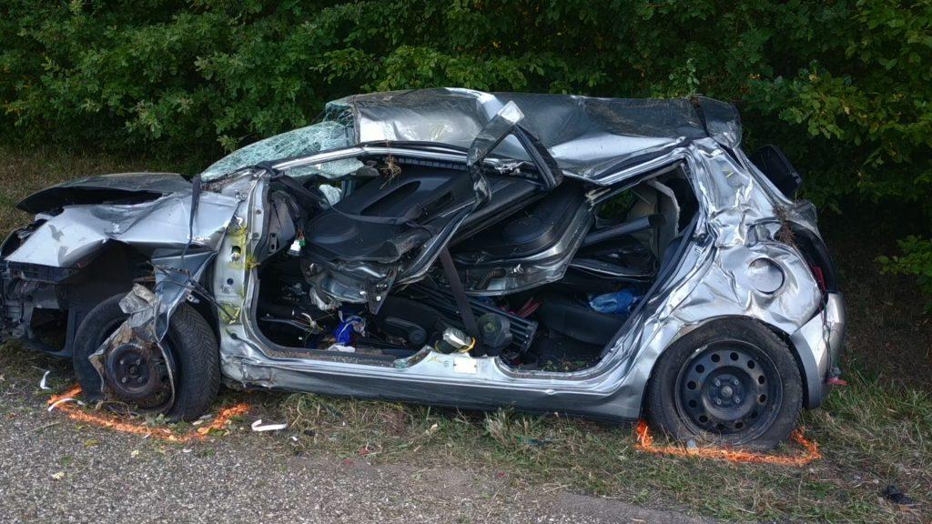 Spectaculaire accident de voitures