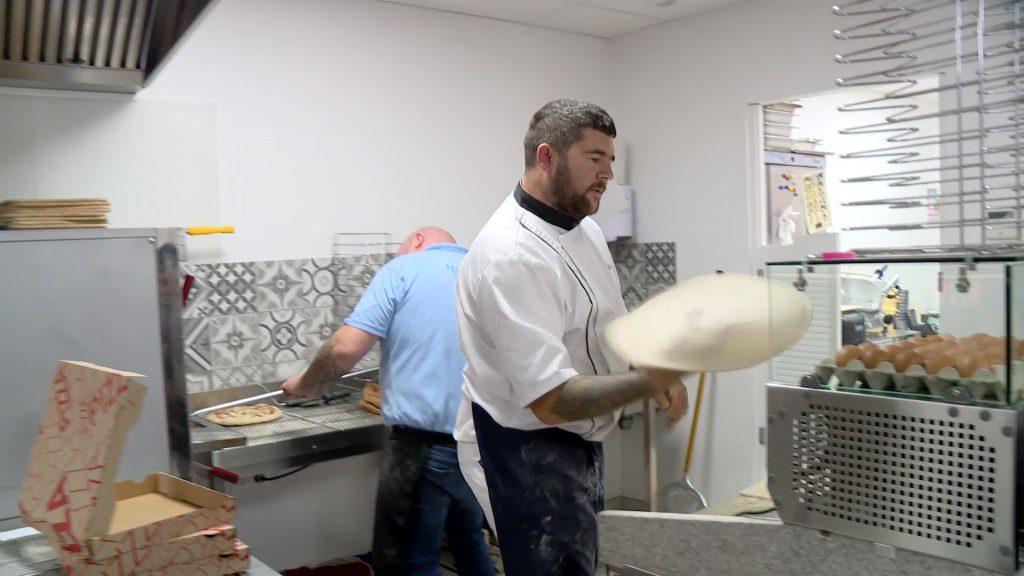 Le pizzaiolo Claude ouvre un nouveau restaurant