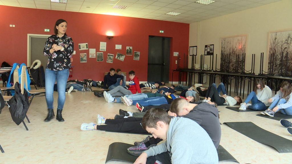 Des élèves en mode relaxation