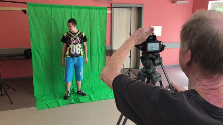 Des jeunes réalisent un court métrage