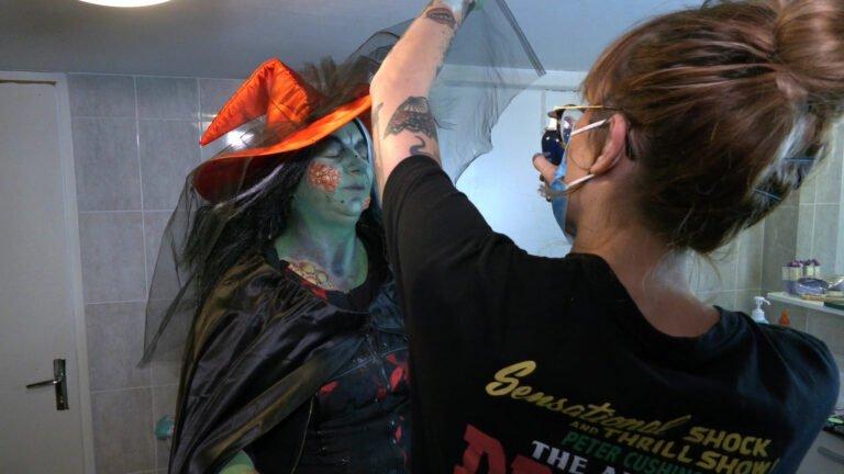 Profession : maquilleuse de sorcières !