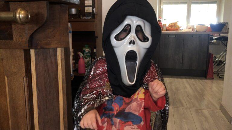 Aurélie et sa famille fêteront Halloween autrement