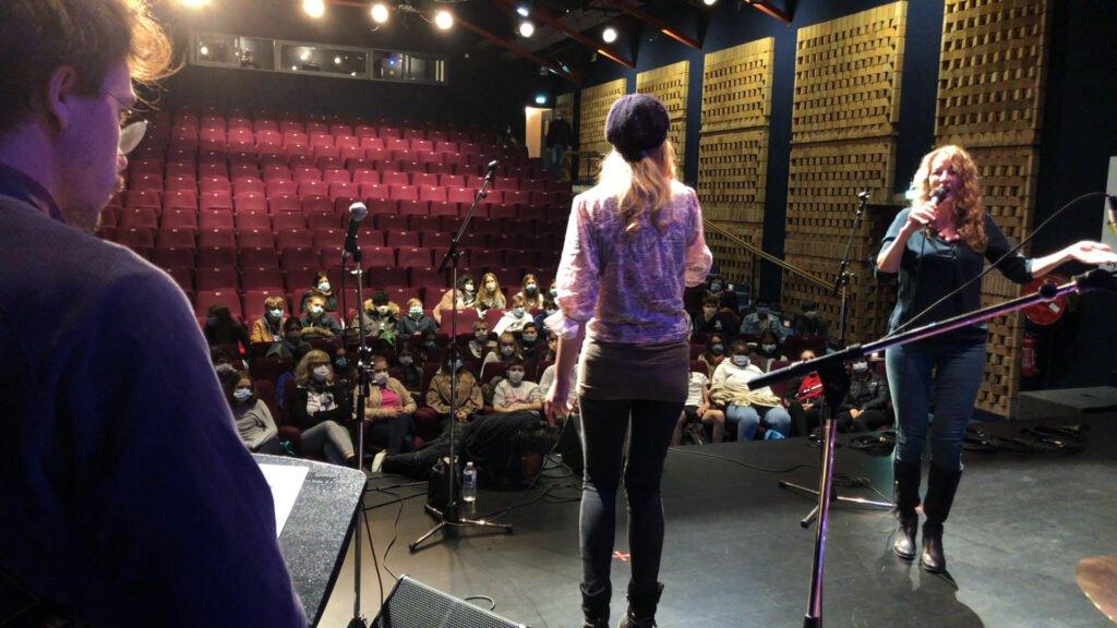 Une répétition en public pour Sylvia MUND