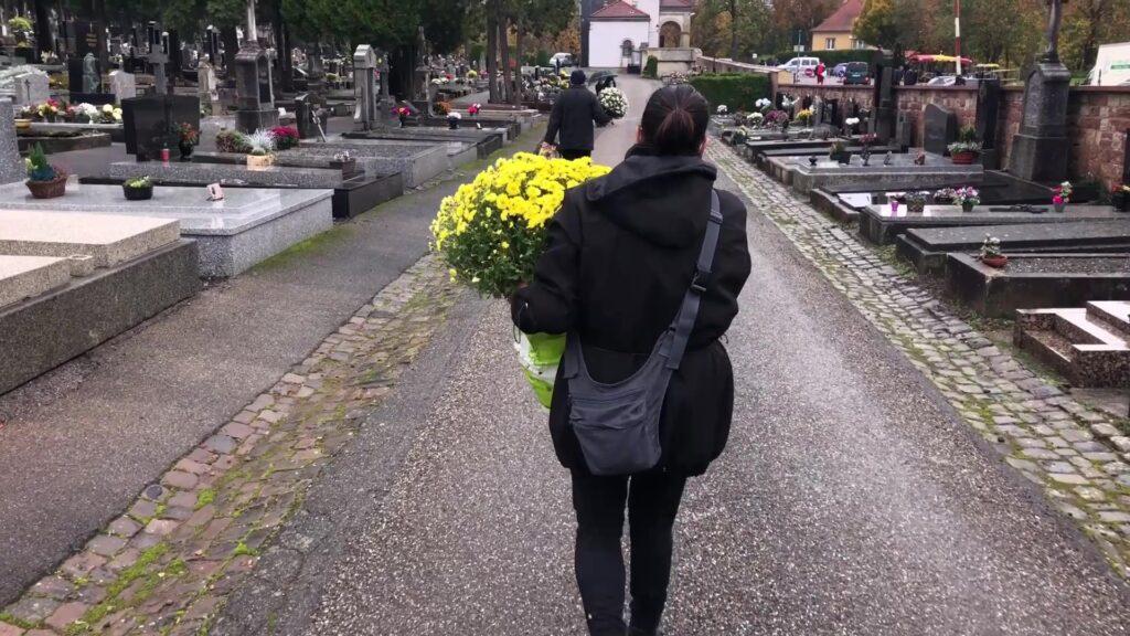 Visites masquées dans les cimetières