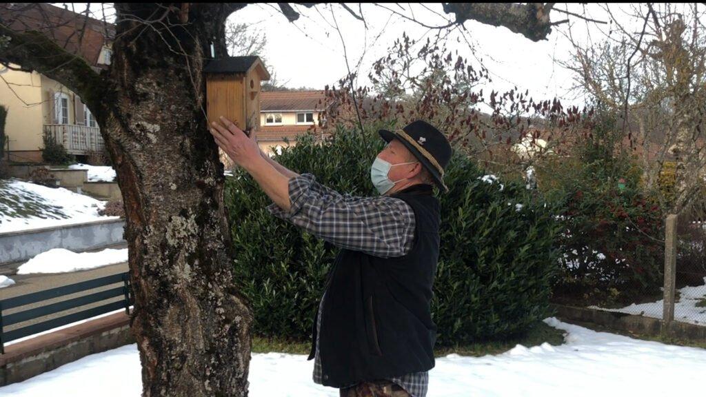 Nourrir les oiseaux en hiver, la mission de Jacky Reiser