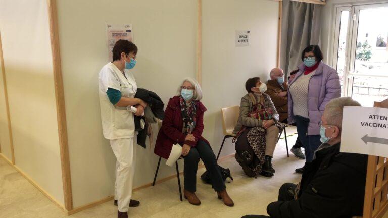 Centre de vaccination : jusqu'à 160 personnes par jour