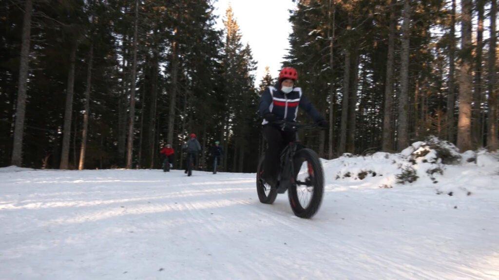 Sur les pistes enneigées… à vélo !