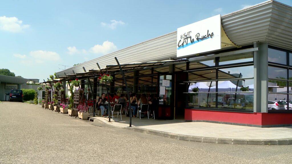 Le restaurant La Ruche Gourmande accueille à nouveau ses clients en salle