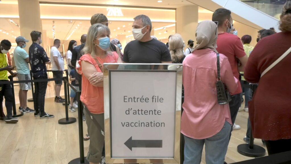 Pass sanitaire : malgré les réticences, la course au vaccin est lancée