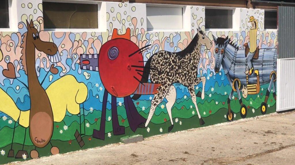 De l'idée à la réalisation d'une peinture murale au centre équestre De l'idée à la réalisation d'une peinture murale au centre équestre De l'idée à la réalisation d'une peinture murale au centre équestre