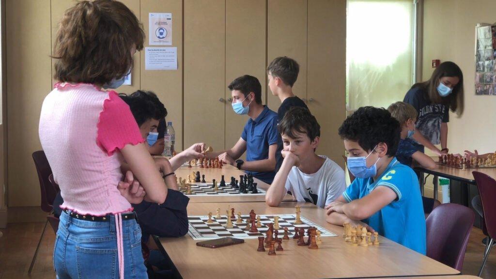 Les échecs, un jeu indémodable pour les jeunes