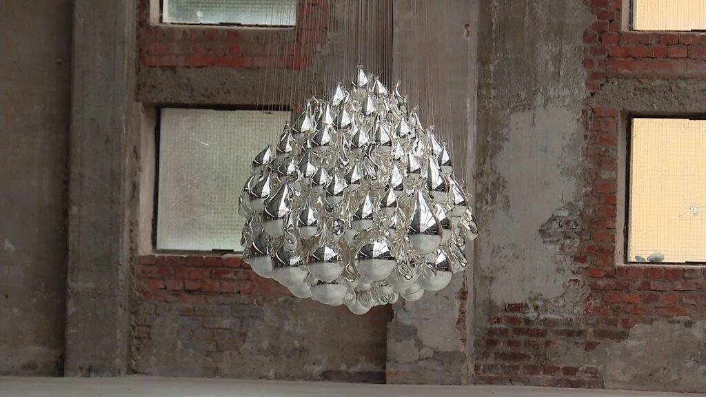 Panoptique : une exposition tout en miroir à la Halle Verrière de Meisenthal